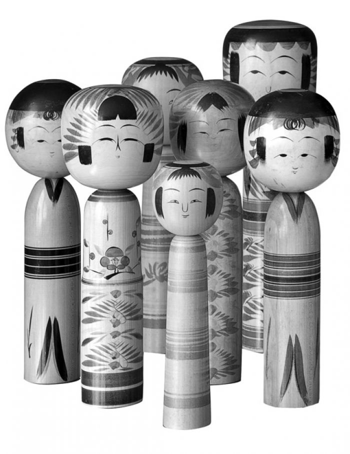 Immagine di Kokeshi tratta da www.1stdibs.co.uk